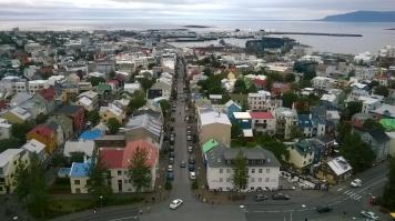 Vue de la capitale depuis le clocher de l'église Hallgrímskirkja