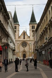 à chaque ruelle, un nouveau monument religieux